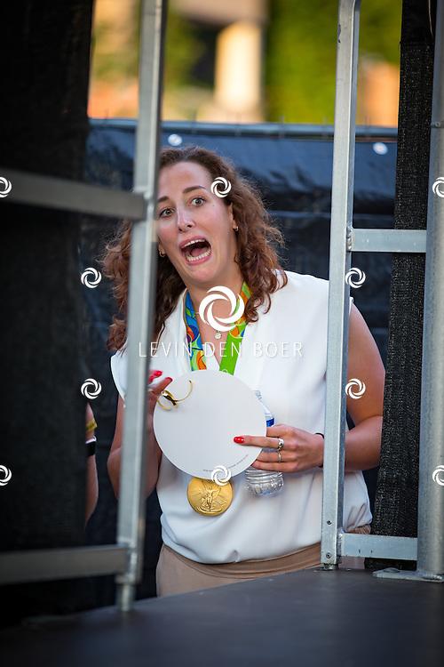 EERBEEK - Baanwielrenster Elis Ligtlee wordt in haar woonplaats Eerbeek gehuldigd, omdat zij een gouden medaille heeft gewonnen op de Olympische Spelen. FOTO LEVIN & PAULA PHOTOGRAPHY VOF
