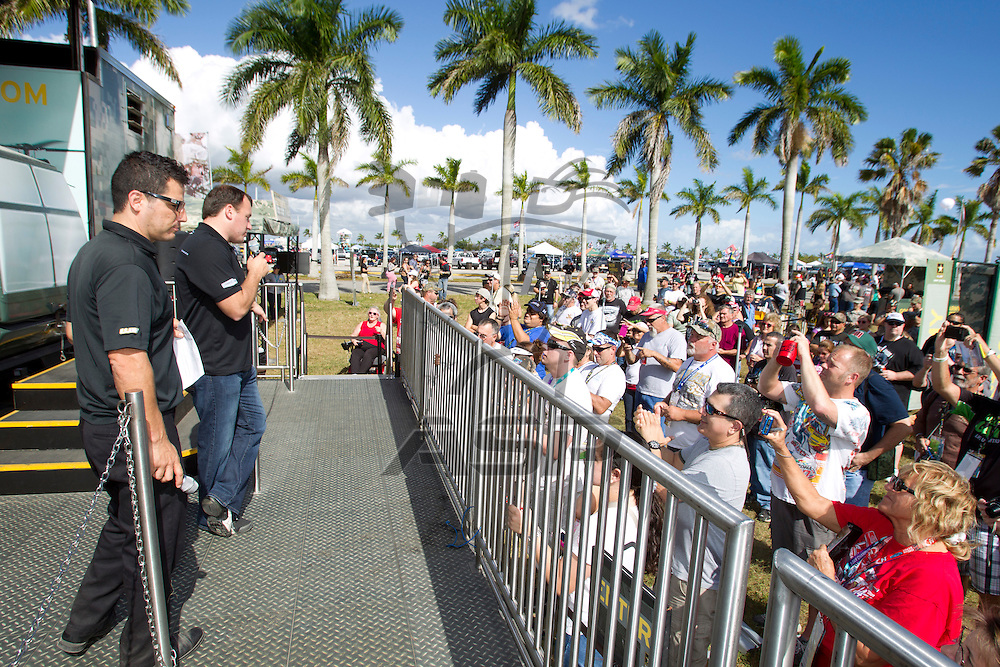 Homestead, FL - Nov 18, 2012: The Nascar Sprint Cup Series takes to the track for the Ford ECOBOOST 400 at the Homestead-Miami Speedway in Homestead, FL.