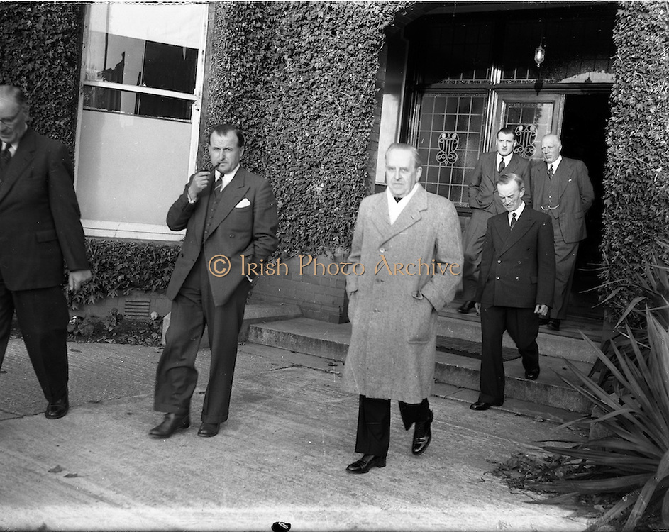 15/10/1952<br /> 10/15/1952<br /> 15 October 1952<br /> P.J. Carroll and Co. Ltd tobacco factory, Dundalk. Visit of Sean MacEntee, Minister for Finance to the Factory.