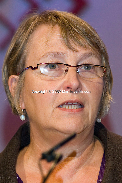 Hilary Bills, speaking at the TUC, Brighton 2007...© Martin Jenkinson, tel 0114 258 6808 mobile 07831 189363 email martin@pressphotos.co.uk. Copyright Designs & Patents Act 1988, moral rights asserted credit required. No part of this photo to be stored, reproduced, manipulated or transmitted to third parties by any means without prior written permission