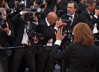 Actress Susan Sarandon with photographers at the gala screening for Woody Allen's film Café Society and opening ceremony at the 69th Cannes Film Festival, Wednesday 11th May 2016, Cannes, France. Photography: Doreen Kennedy