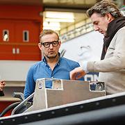 NLD/Amsterdam/20160318 - Presentatie Waterdream 850 boot Pr.Bernhard Jr. , geeft uitleg over de boot