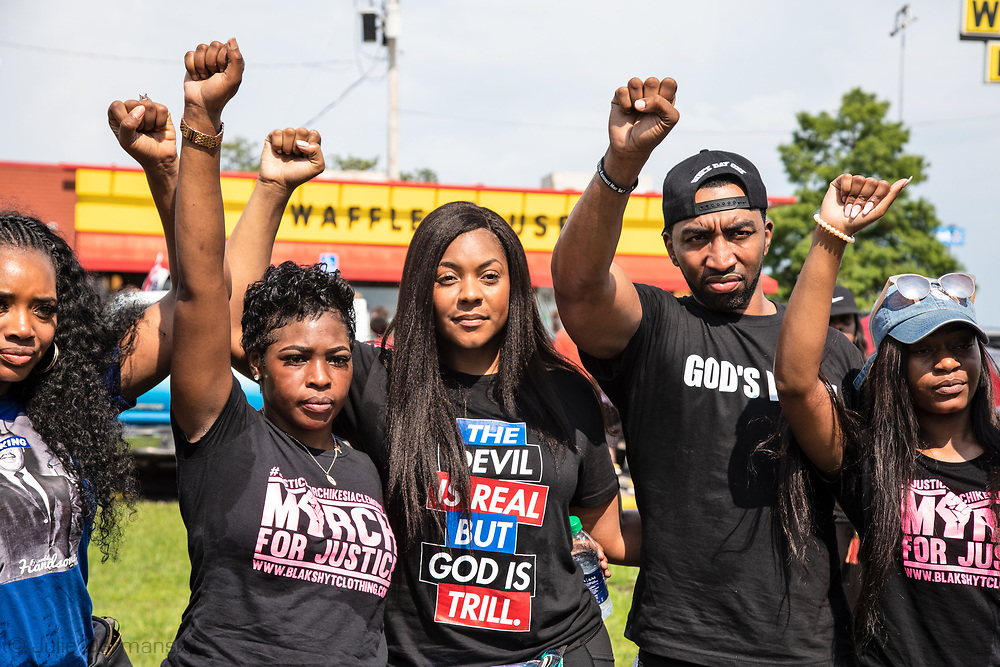 Saraland Alabama, May 20, 2018,<br /> Chikesia Clemons with <br /> supporters in front of the Waffle House where she was arrested.