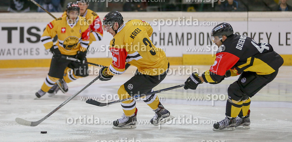 22.09.2015, Albert Schultz Halle, Wien, AUT, CHL, UPC Vienna Capitals vs HC Litvinov, K.O. Phase, im Bild Martin Kokes (HC Litvinov) und Matthew Dzieduszycki (Vienna Capitals) // during the Champions Hockey League Round of 32 match between UPC Vienna Capitals and HC Litvinov at the Albert Schultz Arena, Vienna, Austria on 2015/09/22. EXPA Pictures © 2015, PhotoCredit: EXPA/ Alexander Forst