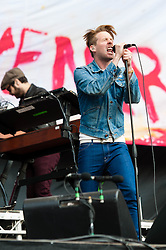 "© Licensed to London News Pictures. 01/06/2013. London, UK.   Nick Baines (left) and Ricky Wilson (right) of the Kaiser Chiefs performing live at The Emirates Stadium, supporting headliner Green Day.   Kaiser Chiefs are a British indie rock band from Leeds who formed in 1996. The band consists of lead vocalist Ricky Wilson, guitarist Andrew ""Whitey"" White, bassist Simon Rix, keyboardist Nick ""Peanut"" Baines and live drummer Vijay Mistry. Photo credit : Richard Isaac/LNP"