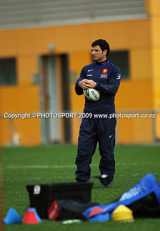 France coach Marc Lievremont.<br /> France Training Session at Trusts Porirua Park, Porirua, Wellington. Wednesday 17 June 2009. Photo: Dave Lintott/PHOTOSPORT