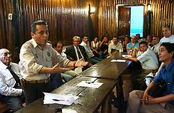 Vereador Nereu D'Avila defende o apoio pró Yeda Crusius perante bancada do PDT na Câmara de Vereadores de Poa. FOTO: Jefferson Bernardes/Preview.com