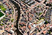 Nederland, Utrecht, gemeente Bunschoten, 17-07-20170; Spakenburg, centrum met Oude Haven, Oude Schans en Havenstraat. Verborgen in de straat ligt een keerwand die bij hoogwater automatisch omhoog komt, een drijvende dijk. Een innovatie.<br /> Hidden in the street is a seawall that automatically rises at high tide, a floating dike.<br /> <br /> luchtfoto (toeslag op standard tarieven);<br /> aerial photo (additional fee required);<br /> copyright foto/photo Siebe Swart
