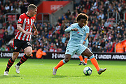Willian (22) of Chelsea on the attack during the Premier League match between Southampton and Chelsea at the St Mary's Stadium, Southampton, England on 7 October 2018.