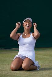 25.06.2011, Wimbledon, London, GBR, Wimbledon Tennis Championships, im Bild Jubel von Tamira Paszek (AUT) nach ihrem Achtelfinal Triumph von Wimbledon. Die Österreicherin besiegte in einem Krimi die Paris Finalistin Francesca Schiavone mit 3:6 6:4 11:9 und zog damit zum zweiten Mal in Wimbledon unter die besten 16 ein, EXPA Pictures © 2011, PhotoCredit: EXPA/ Propaganda/ *** ATTENTION *** UK OUT!