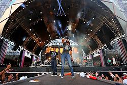 Armandinho e Nego Joe no palco principal do Planeta Atlântida 2013/RS, que acontece nos dias 15 e 16 de fevereiro na SABA, em Atlântida. FOTO: Jefferson Bernardes/Preview.com