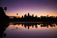 Sunrise in Angkor wat. <br /> Photo by Lorenz Berna