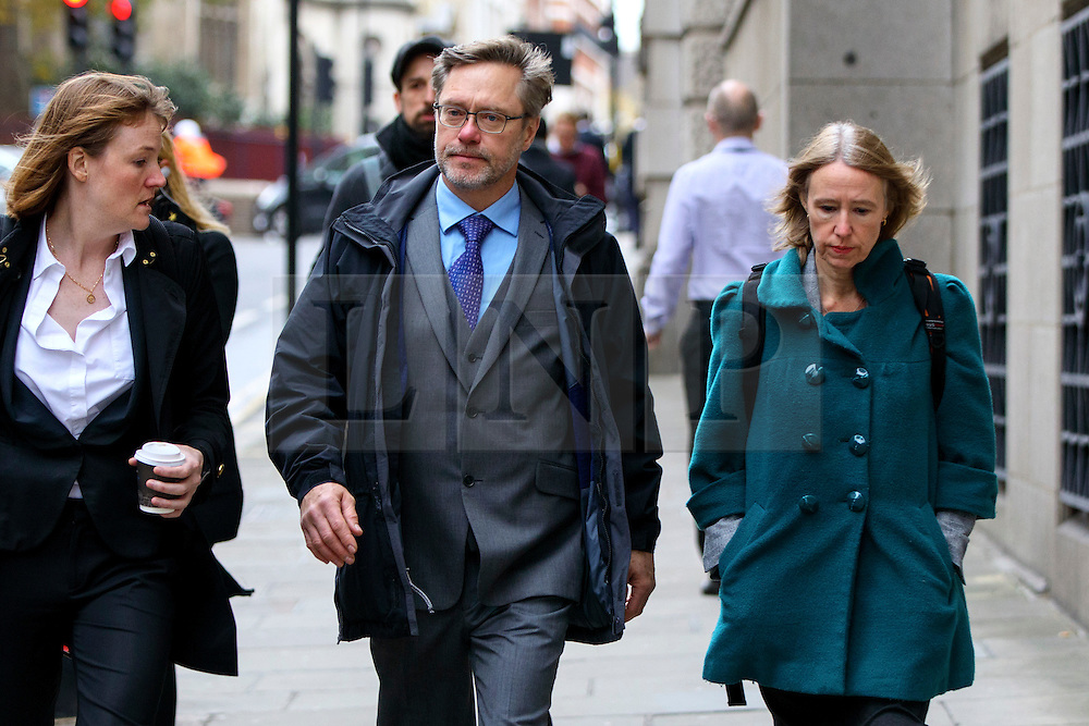 "© Licensed to London News Pictures. 17/11/2016. London, UK. Parents of Jack Letts, dubbed ""Jihadi Jack"", John Letts (C) and Sally Lane (R) arrive at The Central Criminal Court for a plea hearing for attempting to provide money knowing it may be used to fund terrorism on 17 November 2016. Photo credit: Tolga Akmen/LNP"