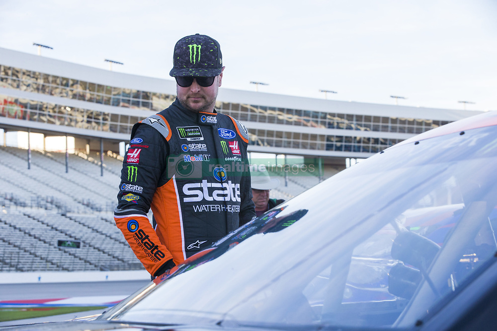 November 2, 2018 - Ft. Worth, Texas, United States of America - Kurt Busch (41) hangs out on pit road prior to qualifying for the AAA Texas 500 at Texas Motor Speedway in Ft. Worth, Texas. (Credit Image: © Justin R. Noe Asp Inc/ASP via ZUMA Wire)