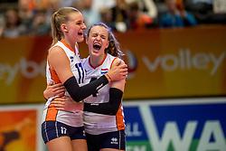 05-04-2017 NED:  CEV U18 Europees Kampioenschap vrouwen dag 4, Arnhem<br /> Nederland - Turkije 3-1 / Nederland doet zeer goede zaken en kan zich met winst op Itali&euml; zeker stellen van een halve finaleplaats - Dagmar Boom #4, Indy Baijens #17