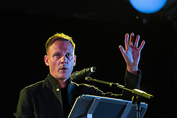 © Licensed to London News Pictures . 31/08/2015 . Manchester , UK . Actor ANTONY COTTON speaks at a candlelit vigil in memory of the victims of HIV and AIDS , in Sackville Gardens in Manchester's Gay Village , closes 2015 Manchester Pride . Photo credit : Joel Goodman/LNP