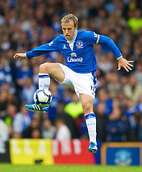 LIVERPOOL, ENGLAND - Sunday, August 30, 2009: Everton's captain Phil Neville in action against Wigan Athletic during the Premiership match at Goodison Park. (Photo by David Rawcliffe/Propaganda)