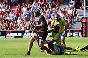 Patricio Albacete attacks for Stade Toulousain.  Stade Toulousain v ASM Clermont Auvergne, Stade Ernest Wallon, Samedi 13 September 2014. Top 14 5eme Journee.