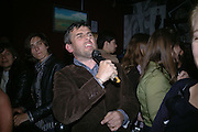 Paul Fryer. Party given for Nobuyoshi Araki by White Cube after the opening of his Self¥Life¥Death exhibition at the Barbican. Zyrus/Genesys Karaoke bar. Clerkenwell Rd. London. 5 October 2005. . ONE TIME USE ONLY - DO NOT ARCHIVE © Copyright Photograph by Dafydd Jones 66 Stockwell Park Rd. London SW9 0DA Tel 020 7733 0108 www.dafjones.com