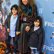 NLD/Amsterdam/20191116 - Filmpremiere Frozen II, Niama Amhali-el Bahri en haar zonen