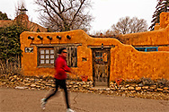 Santa Fe, New Mexico, Canyon Road, jogger