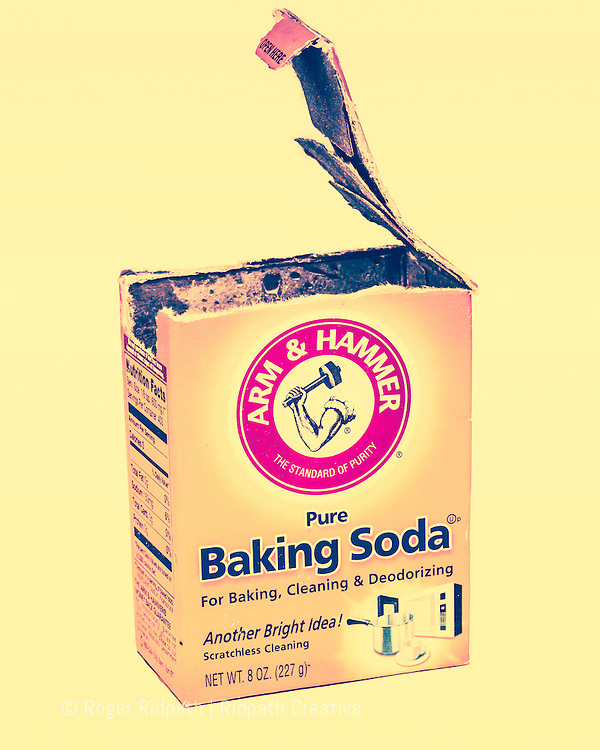 vintage open box of arm & hammer baking soda
