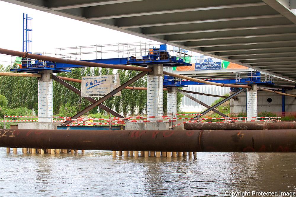 358037-Plaatsing van nieuwe brug over de nete-Infrabel beheerder Belgische Sporennetwerk-Brug Nete Duffel
