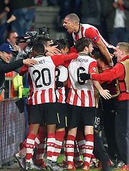 08-12-2015 NED: UEFA CL PSV - CSKA Moskou, Eindhoven<br /> PSV wint met 2-1 en plaatst zich voor de volgende ronde in de CL / Balcontrole bij Luuk de Jong #9 die vervolgens de gelijkmaker 1-1 binnenschiet. Jeffrey Bruma #5 springt bovenop de feestvierders