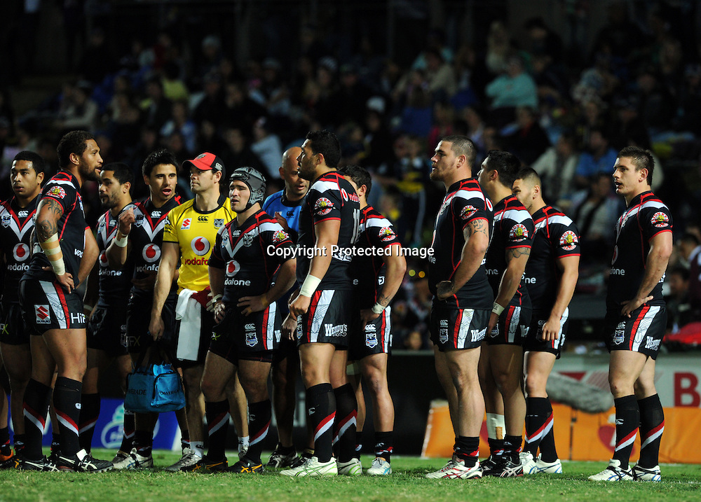 NRL NZ Warriors vs NQ Cowboys from Dairy Farmers Stadium Australia, pics Zak Simmonds.  Warriors after the Cowboys scored a try. 11 August 2012.