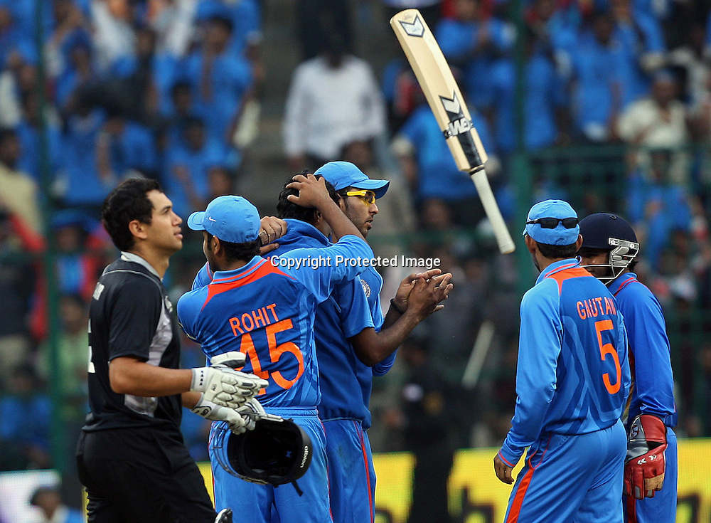 New Zealand batsman Ross Taylor walks off after being dismissed for 44 against India during the 4th ODI match India vs New Zealand Played at M Chinnaswamy Stadium, Bangalore, 7 December 2010 - day/night (50-over match)