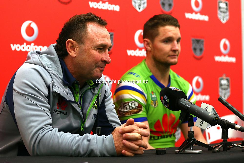 Ricky Stuart and Jarrod Croker. Vodafone Warriors v Canberra Raiders, Round 23 of the 2017 NRL Rugby League Premiership season at Mt Smart Stadium, Auckland, New Zealand. 13 August 2017. Copyright photo: Renee McKay / www.photosport.nz