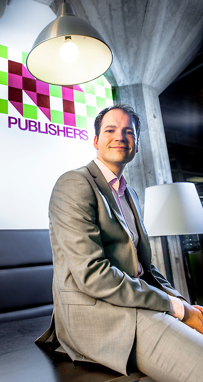 Arie van Dijk, NT Publishers in Rotterdam