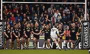 Wycombe, ENGLAND, Mike Catt converts from his own try, London Wasps vs London Irish  Guinness Premiership Rugby, at the, Causeway Stadium, © Peter Spurrier/Intersport-images.com,  / Mobile +44 [0] 7973 819 551 / email images@intersport-images.com.