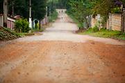 Extrema_MG, Brasil...Estrada de asfalto e de terra em Extrema...The dirty and asphalt road in Extrema...Foto: LEO DRUMOND / NITRO....