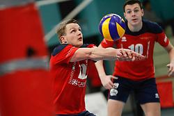 20181124 NED: Volleyball Top League ZVH - VCV: Zevenhuizen<br />Thomas van Rij (12) of CAS CRM ZVH, Benjamin Parkinson (10) of CAS CRM ZVH<br />©2018-FotoHoogendoorn.nl / Pim Waslander