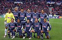 Fotball<br /> UEFA Champions League<br /> 22.11.2005<br /> Lille v Benfica<br /> Foto: imago/Digitalsport<br /> NORWAY ONLY<br /> <br /> Mannschaftsfoto Benfica Lissabon, hi. v. li.: Torwart Quim, Luisao, Anderson, Ricardo Rocha, Eduardo Alcides und Nuno Gomes; vorn: Leo, Nelson, Fabrizio Miccoli, Petit und Beto