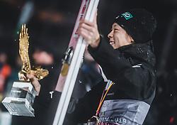 06.01.2019, Paul Außerleitner Schanze, Bischofshofen, AUT, FIS Weltcup Skisprung, Vierschanzentournee, Bischofshofen, Siegerehrung, im Bild Gesamtsieger Ryoyu Kobayashi (JPN) mit dem Tournee Adler // Overall Winner Ryoyu Kobayashi of Japan with the Trophy during the Winner Award Ceremony of the Four Hills Tournament of FIS Ski Jumping World Cup at the Paul Außerleitner Schanze in Bischofshofen, Austria on 2019/01/06. EXPA Pictures © 2019, PhotoCredit: EXPA/ JFK