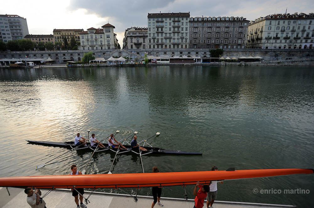 Esperia Rowing Club. In the back The Murazzi, headquarters of Turin's movida.