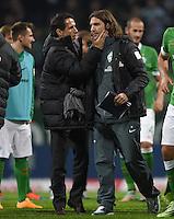 FUSSBALL   1. BUNDESLIGA   SAISON 2014/2015   11. SPIELTAG SV Werder Bremen - VfB Stuttgart                        08.11.2014 Manager Thomas Eichin und Co-Trainer Torsten Frings  (v.l., beide SV Werder Bremen) freuen sich nach dem Abpfiff