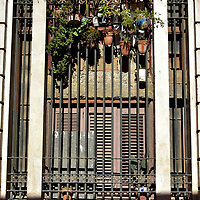Open Windows Reduce Heat in Havana, Cuba<br />