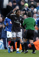 Fotball<br /> Premier League 2004/05<br /> Portsmouth v Chelsea<br /> 28. desember 2004<br /> Foto: Digitalsport<br /> NORWAY ONLY<br /> Didier Drogba complains to the referee about the wall
