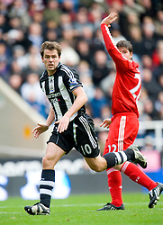 NEWCASTLE, ENGLAND - Sunday, December 28, 2008: Newcastle United's Michael Owen in action against Liverpool during the Premiership match at St James' Park. (Photo by David Rawcliffe/Propaganda)