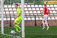 MARBELLA - 07-01-2017, Trainingskamp, AZ - FC Augsburg, AZ speler Wout Weghorst scoort hier de 1-1, doelpunt, FC Augsburg speler Marvin Friedrich.