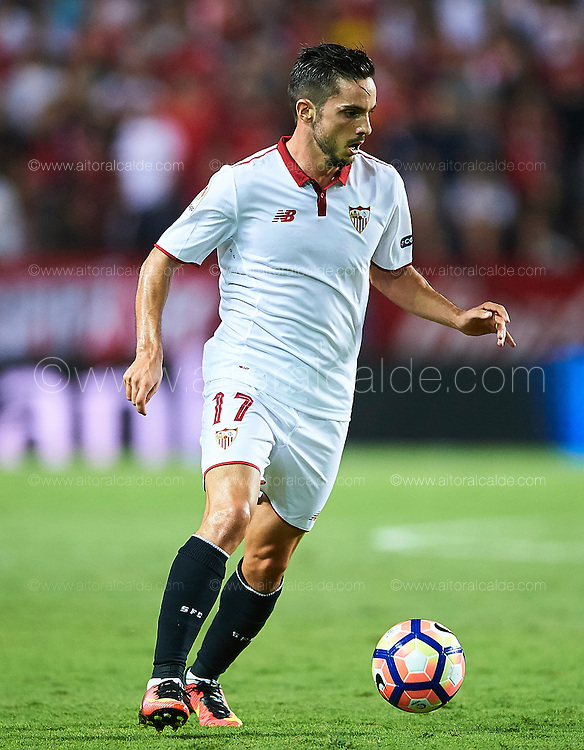 SEVILLE, SPAIN - SEPTEMBER 20:  Pablo Sarabia of Sevilla FC in action during the match between Sevilla FC vs Real Betis Balompie as part of La Liga at Estadio Ramon Sanchez Pizjuan on September 20, 2016 in Seville, Spain.  (Photo by Aitor Alcalde Colomer/Getty Images)