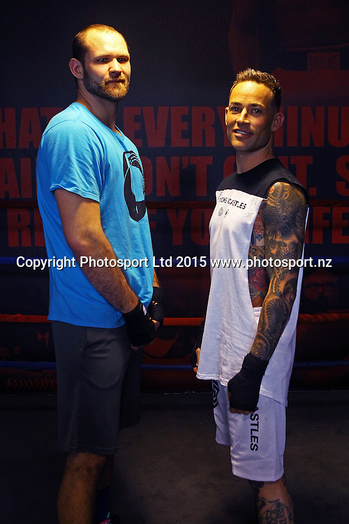 Daniel Martz (L) and Shelton Woolright during a training session ahead of the Burger King Fight for Life boxing event, Les Mills, Auckland. 1 December 2015. Copyright Photo: William Booth / www.photosport.nz