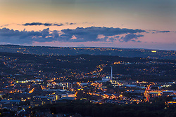 © Licensed to London News Pictures. 28/08/2015. Huddersfield, UK. Picture shows the sun setting over Huddersfield. Whilst the UK is expecting unsettled weather over the bank holiday weekend Yorkshire is experiencing clear skies & bright sunshine. Photo credit: Andrew McCaren/LNP