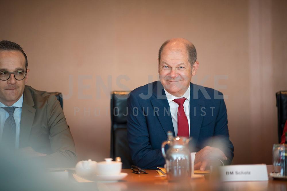 DEU, Deutschland, Germany, Berlin, 30.05.2018: Bundesaussenminister Heiko Maas (SPD) und Bundesfinanzminister Olaf Scholz (SPD) vor Beginn der 11. Kabinettsitzung im Bundeskanzleramt.