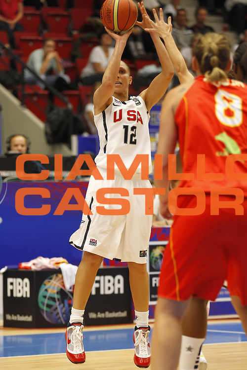 DESCRIZIONE : Karlovy Vary Repubblica Ceca Czech Republic Women World Championship 2010 Campionato Mondiale Semi Final Usa Spain<br /> GIOCATORE : Diana TAURASI<br /> SQUADRA : Usa<br /> EVENTO : Karlovy Vary Repubblica Ceca Czech Republic Women World Championship 2010 Campionato Mondiale 2010<br /> GARA : Usa Spain Usa Spagna<br /> DATA : 02/10/2010<br /> CATEGORIA : <br /> SPORT : Pallacanestro <br /> AUTORE : Agenzia Ciamillo-Castoria/ElioCastoria<br /> Galleria : Czech Republic Women World Championship 2010<br /> Fotonotizia : Karlovy Vary Repubblica Ceca Czech Republic Women World Championship 2010 Campionato Mondiale Semi Final Usa Spain<br /> Predefinita :