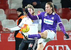 29.01.2016, Generali Arena, Wien, AUT, Testspiel, FK Austria Wien vs FC Basel, im Bild Birkir Bjarnason (FC Basel) und Lukas Rotpuller (FK Austria Wien) // during a preperation Football Match between FK Austria Wien vs FC Basel at the Generali Arena in Vienna, Austria on 2016/01/29. EXPA Pictures © 2016, PhotoCredit: EXPA/ Thomas Haumer