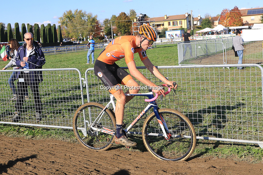 10-11-2019: Wielrennen: Europees Kampioenschap Veldrijden: Silvelle <br />Kyle Achterberg